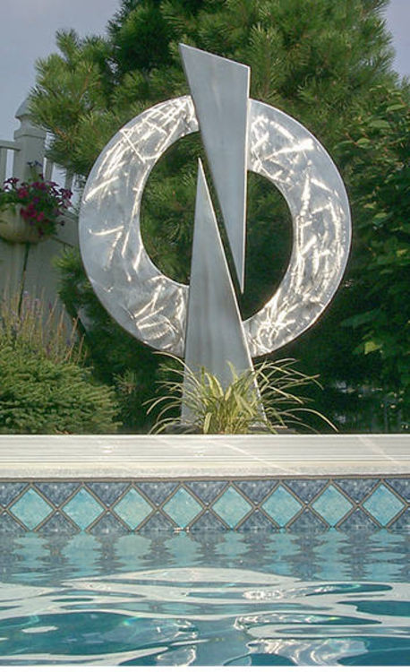Yin and Yang by Mark Carroll - search and link Sculpture with SculptSite.com