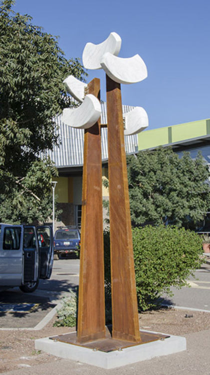 Avondale Birds by Mark Carroll - search and link Sculpture with SculptSite.com