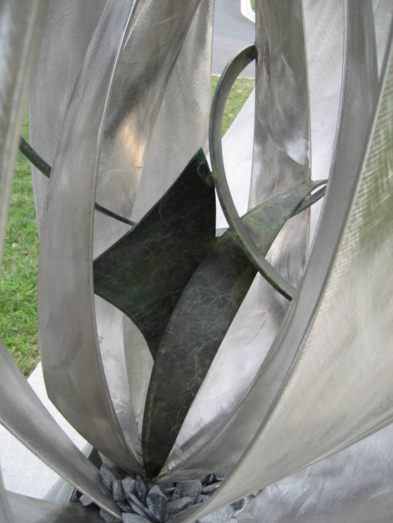 Suzi\'s Garden Series by Bruce A Niemi - search and link Sculpture with SculptSite.com