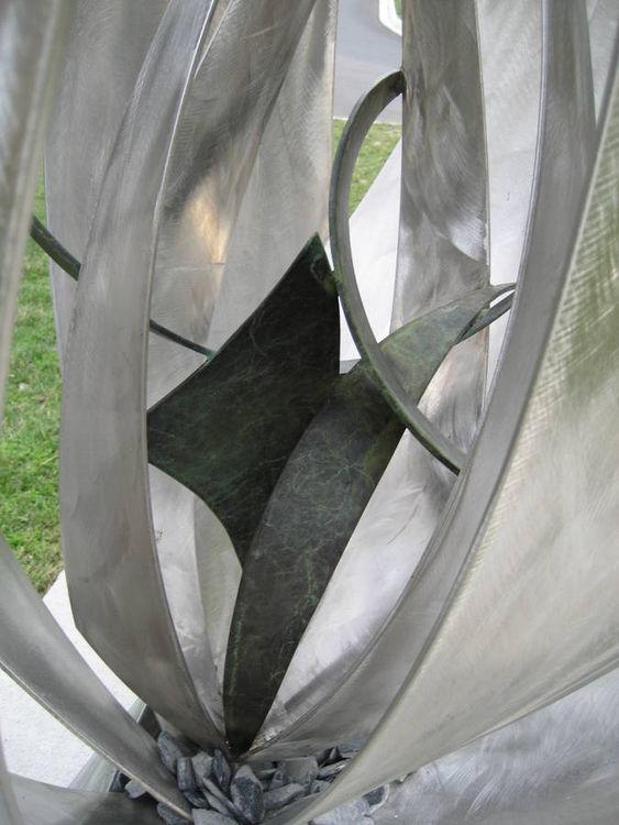 Suzi\'s Garden Series by Bruce A Niemi - search and link Sculpture with SculptSite.com