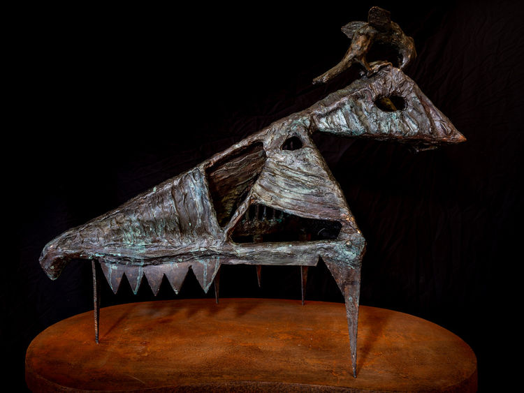 Husk with visitor by Christopher Stone - search and link Sculpture with SculptSite.com