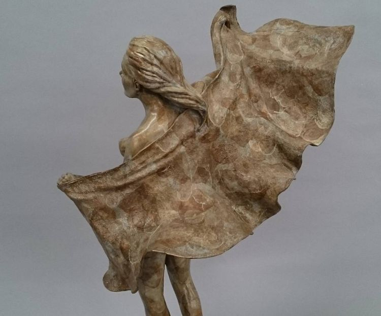 Beachwalkers - Sea Breeze by Edd Hayes - search and link Sculpture with SculptSite.com