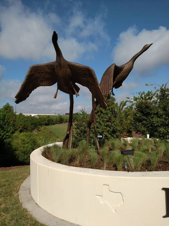 Wildlife Monuments - The Flight by Edd Hayes - search and link Sculpture with SculptSite.com