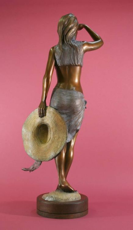 Beachwalkers - Montego by Edd Hayes - search and link Sculpture with SculptSite.com