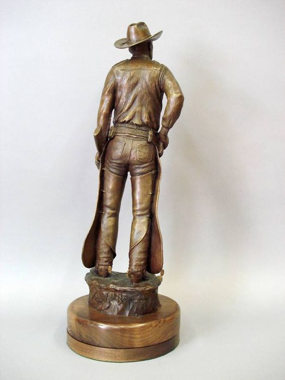 Texas Rangers Legends, Joaquin Jackson by Edd Hayes - search and link Sculpture with SculptSite.com