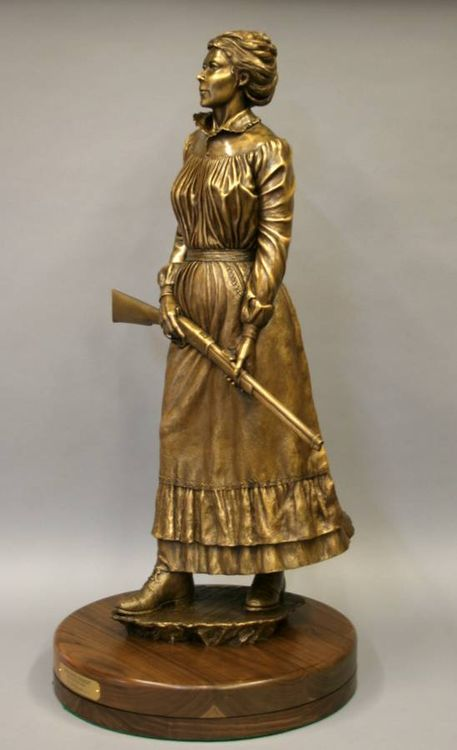 Western - Undaunted Courage, Spirit of the Pioneer Woman by Edd Hayes - search and link Sculpture with SculptSite.com