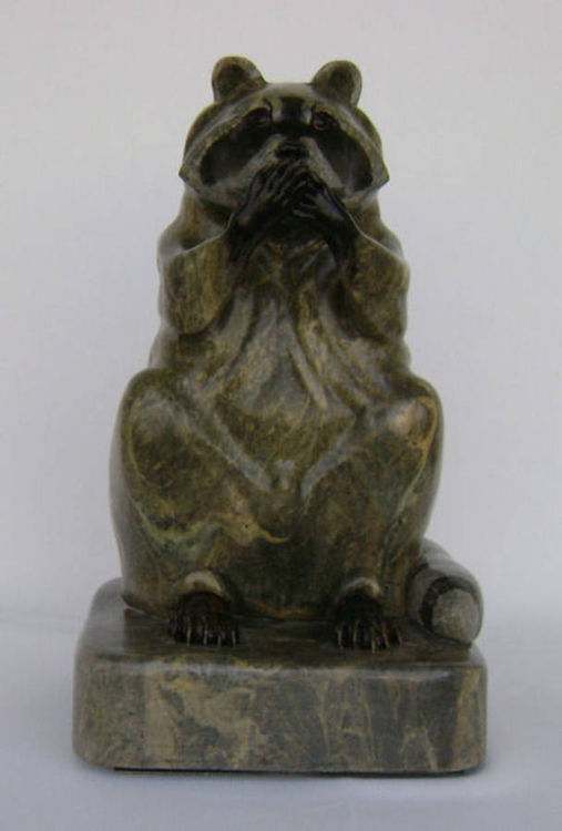 Was Not Me (Raccoon) by Gerald Sandau - search and link Sculpture with SculptSite.com
