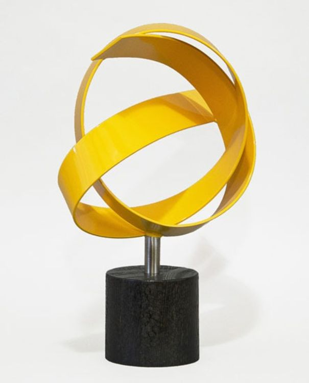 Yellow Knot by Joe Gitterman - search and link Sculpture with SculptSite.com