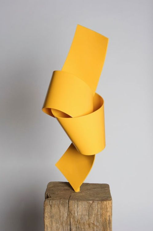 Yellow On Point by Joe Gitterman - search and link Sculpture with SculptSite.com