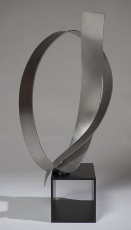 Poised 4 by Joe Gitterman - search and link Sculpture with SculptSite.com