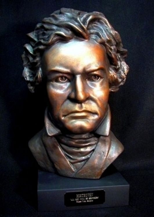 Ludwig Van Beethoven by Robert Toth - search and link Sculpture with SculptSite.com