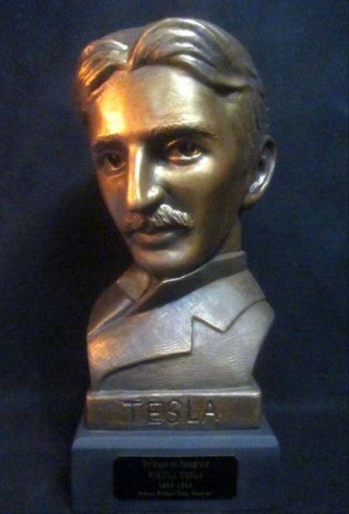 Nikola Tesla by Robert Toth - search and link Sculpture with SculptSite.com