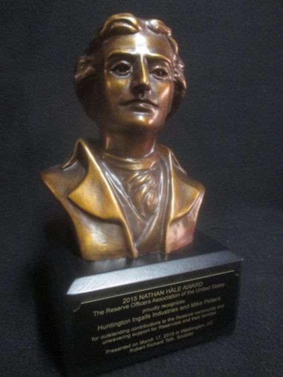 Nathan Hale by Robert Toth - search and link Sculpture with SculptSite.com