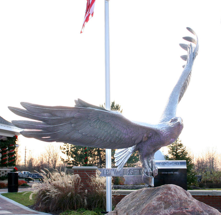 Memorial Eagle by Robert Eccleston - search and link Sculpture with SculptSite.com