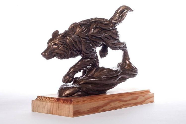 Spirit of the Wolf by Robert Eccleston - search and link Sculpture with SculptSite.com