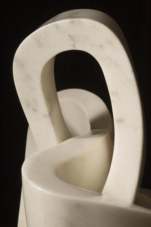 L Heart knot by Robin Antar - search and link Sculpture with SculptSite.com