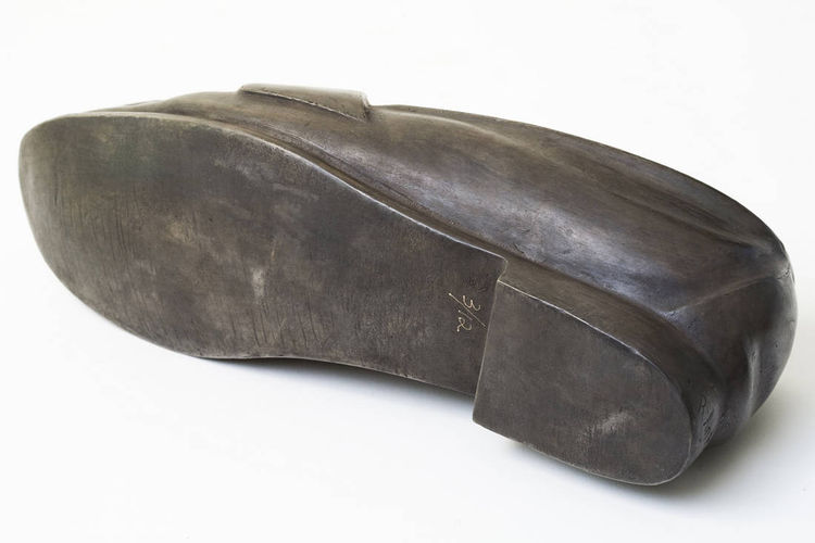 Loafer bronze by Robin Antar - search and link Sculpture with SculptSite.com