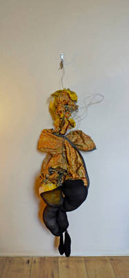 In Her Place by Andrew Litten - search and link Sculpture with SculptSite.com