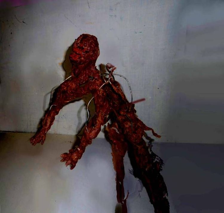 Suicide Bomber by Andrew Litten - search and link Sculpture with SculptSite.com