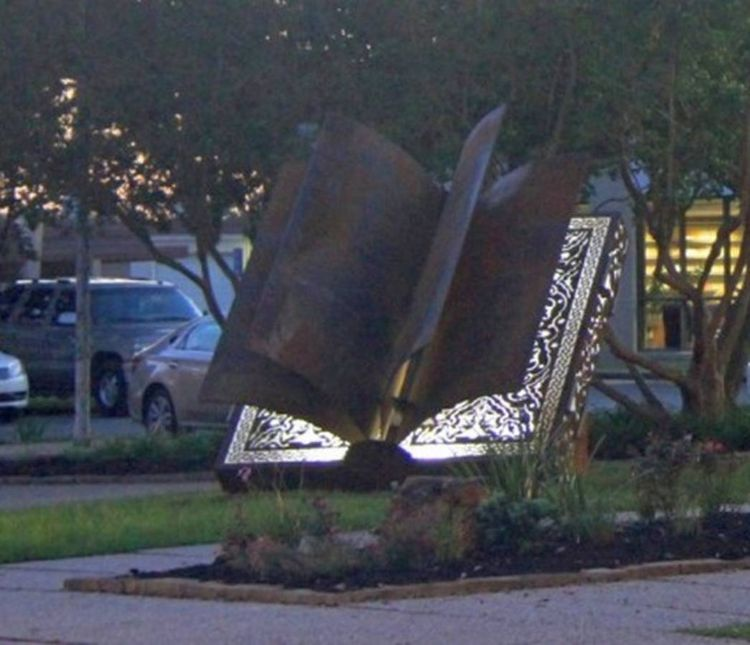 Boundless Knowledge by Deedee Morrison - search and link Sculpture with SculptSite.com