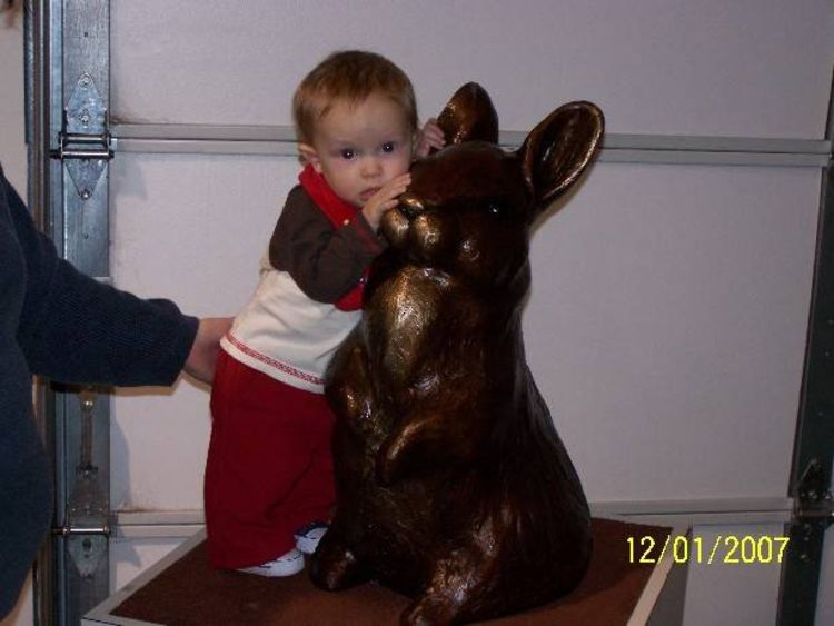 Peter Rabbit by Dawn Weimer - search and link Sculpture with SculptSite.com