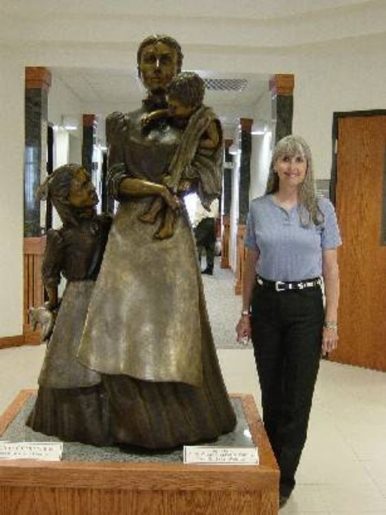 Mother of the Plains by Dawn Weimer - search and link Sculpture with SculptSite.com