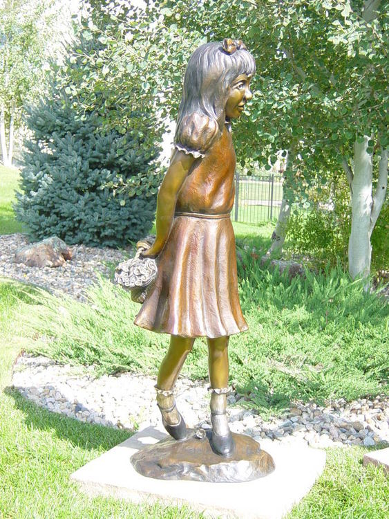 Sugar and Spice by Dawn Weimer - search and link Sculpture with SculptSite.com