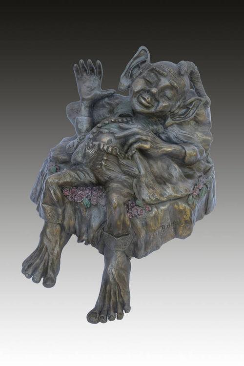 BUMBLE by Dorienne Carmel - search and link Sculpture with SculptSite.com