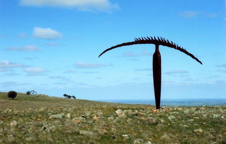 Horizon Figure by Greg Johns - search and link Sculpture with SculptSite.com