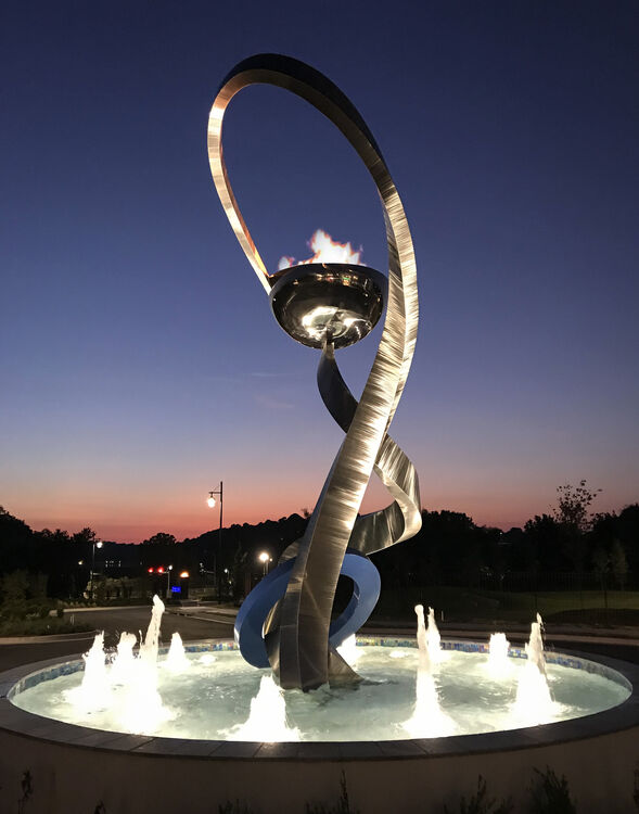 Stellar by Hunter Brown - search and link Sculpture with SculptSite.com