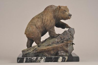 Grizzly Country by James Marsico - search and link Sculpture with SculptSite.com