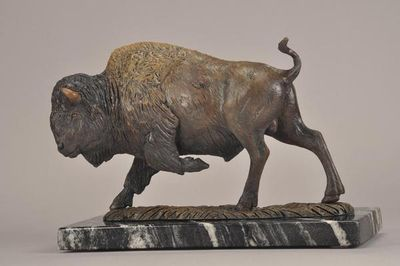 Bison by James Marsico - search and link Sculpture with SculptSite.com