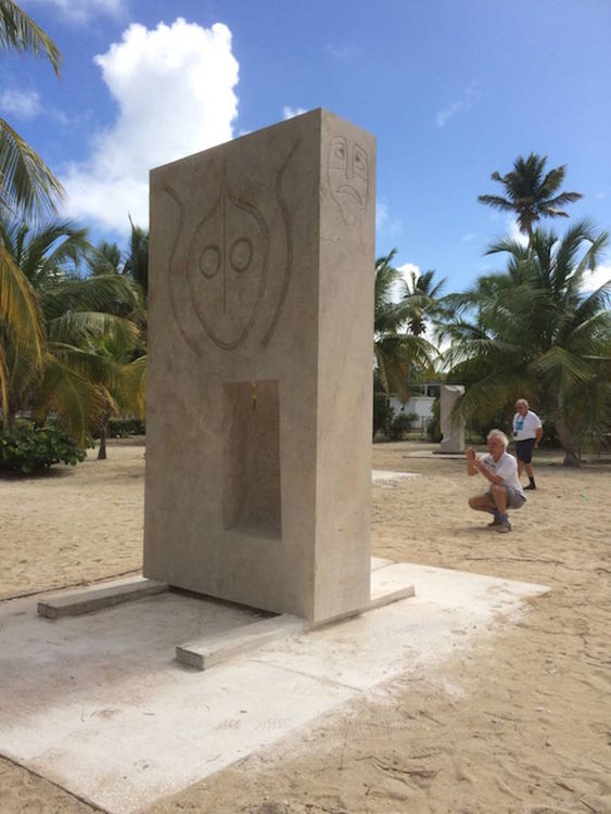 ANGUILLA LOVE SEAT by Jon Barlow Hudson - search and link Sculpture with SculptSite.com