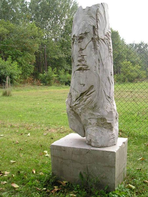 Massive Contrapost by Eva Karcag - search and link Sculpture with SculptSite.com