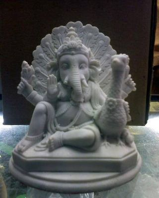 Ganesh by Krich Rungsila - search and link Sculpture with SculptSite.com
