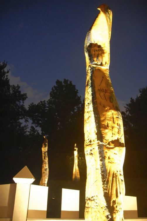 Flame Columns by Carol Fleming - search and link Sculpture with SculptSite.com