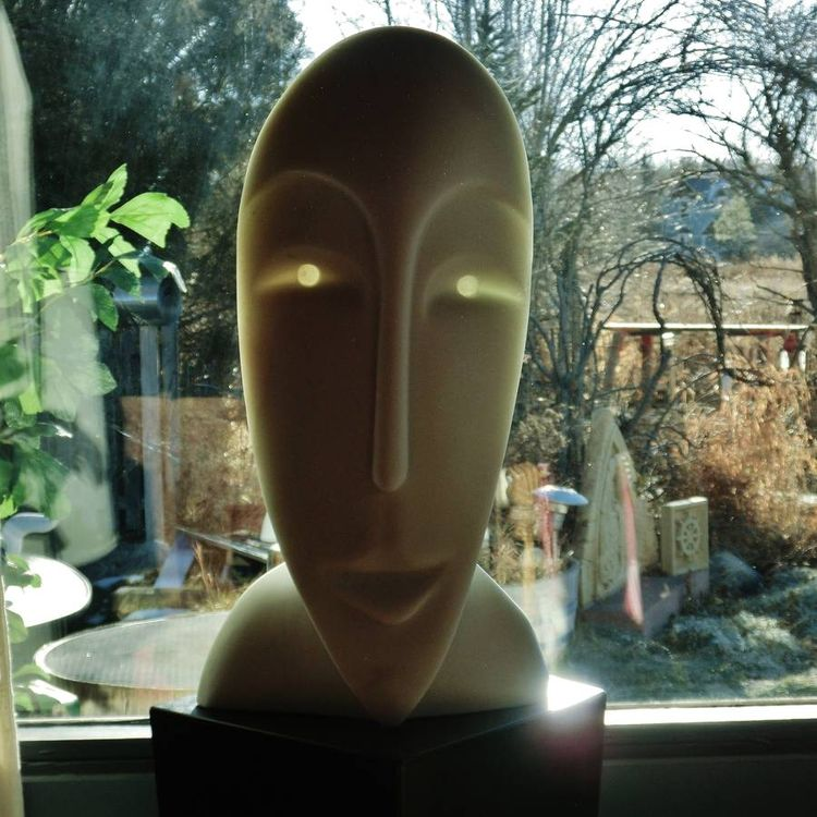 Girl in the Moon by Martin Cooney - search and link Sculpture with SculptSite.com