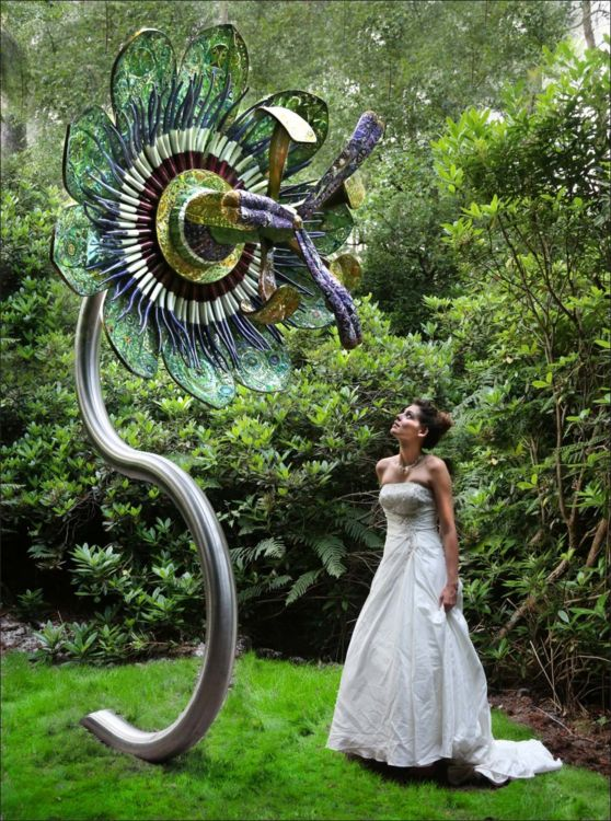 Passion Flower by Maylee Christie - search and link Sculpture with SculptSite.com