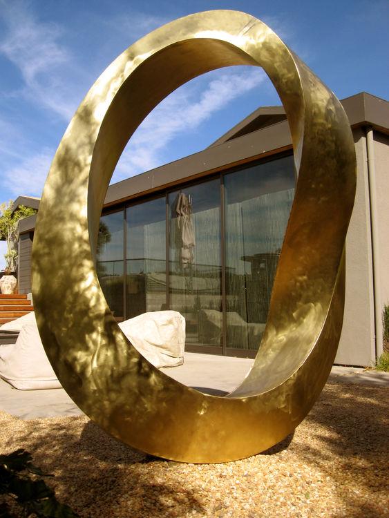 Golden Infinity by Plamen Yordanov - search and link Sculpture with SculptSite.com