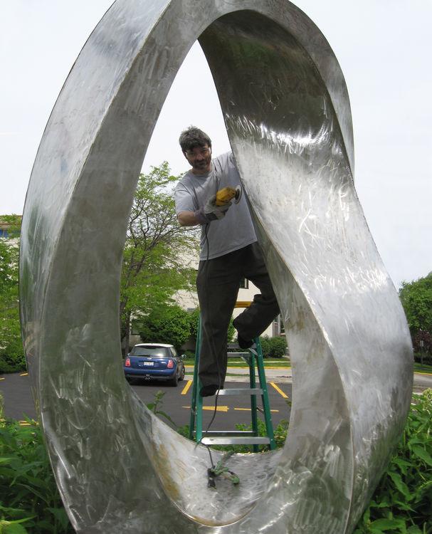 Double Mobius Strip 2006 by Plamen Yordanov - search and link Sculpture with SculptSite.com