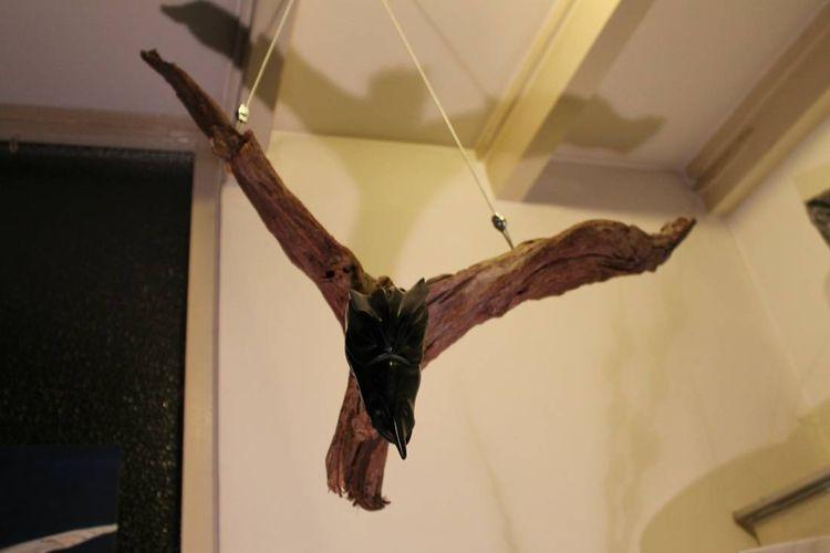 Dragon flies by Stef van den Heuvel - search and link Sculpture with SculptSite.com