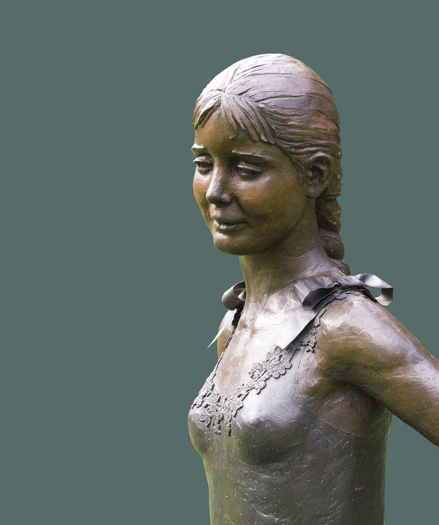 Diaghilev's-Daughter-Choreographer-Jennifer-Lacey by Sterett-Gittings Kelsey - search and link Sculpture with SculptSite.com