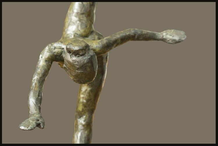 Gary-Gunther-of-Tallix by Sterett-Gittings Kelsey - search and link Sculpture with SculptSite.com