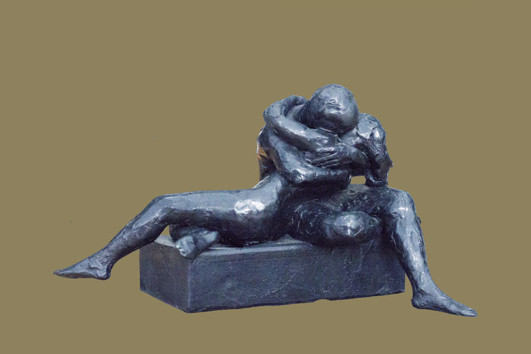 Love-Sketch  III by Sterett-Gittings Kelsey - search and link Sculpture with SculptSite.com