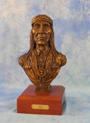 Tinde The People by Jon Vick - search and link Sculpture with SculptSite.com