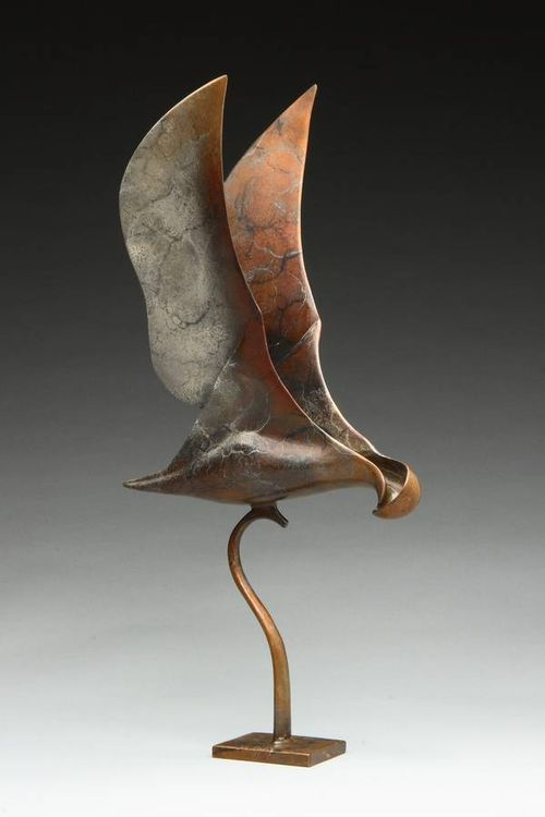 Hawk-eye by Georgene McGonagle - search and link Sculpture with SculptSite.com
