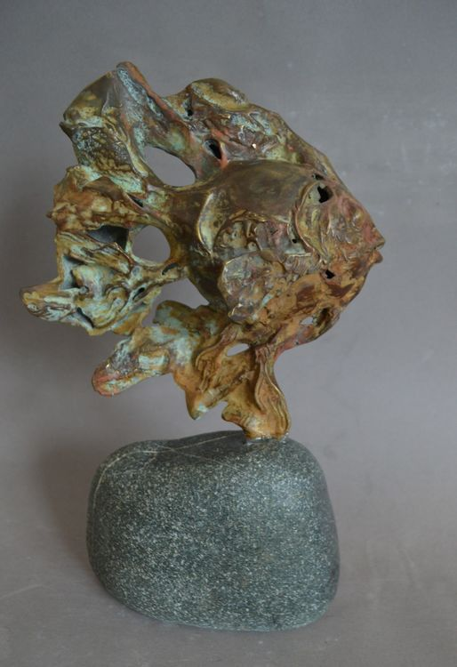 Gold fish by Ventsislav Markov - search and link Sculpture with SculptSite.com