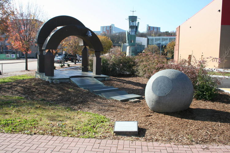The Journey by Wayne Trapp - search and link Sculpture with SculptSite.com